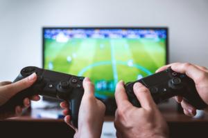 PS4のコントローラで遊ぶ手